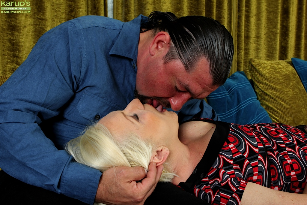 Blonde wife Netty bounces her pussy on his cock. from Karupsow