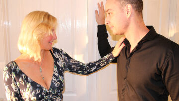 British housewife fucking the guy next door from Mature nl