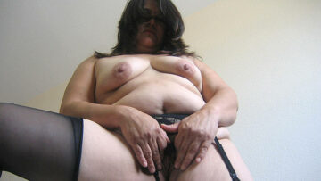 Get a taste of this chubby hairy mature cunt from Mature nl