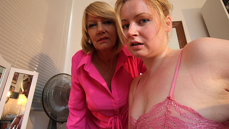 Horny old and young lesbian couple from the UK get wet from Mature nl