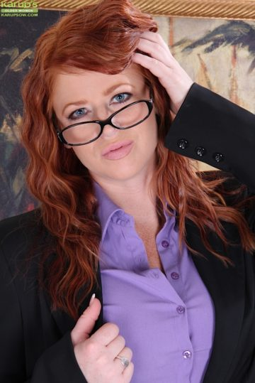 Redhead MILF Sara Orlando strips naked after getting home from work. from Karupsow
